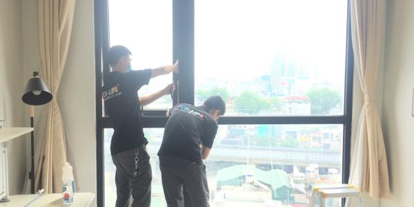 Thi công sơn chống nóng kính tại chung cư Royal City, Thanh Xuân, Hà Nội