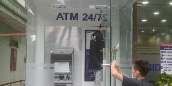 Dự án sơn chống nóng kính tại cây ATM - BIDV